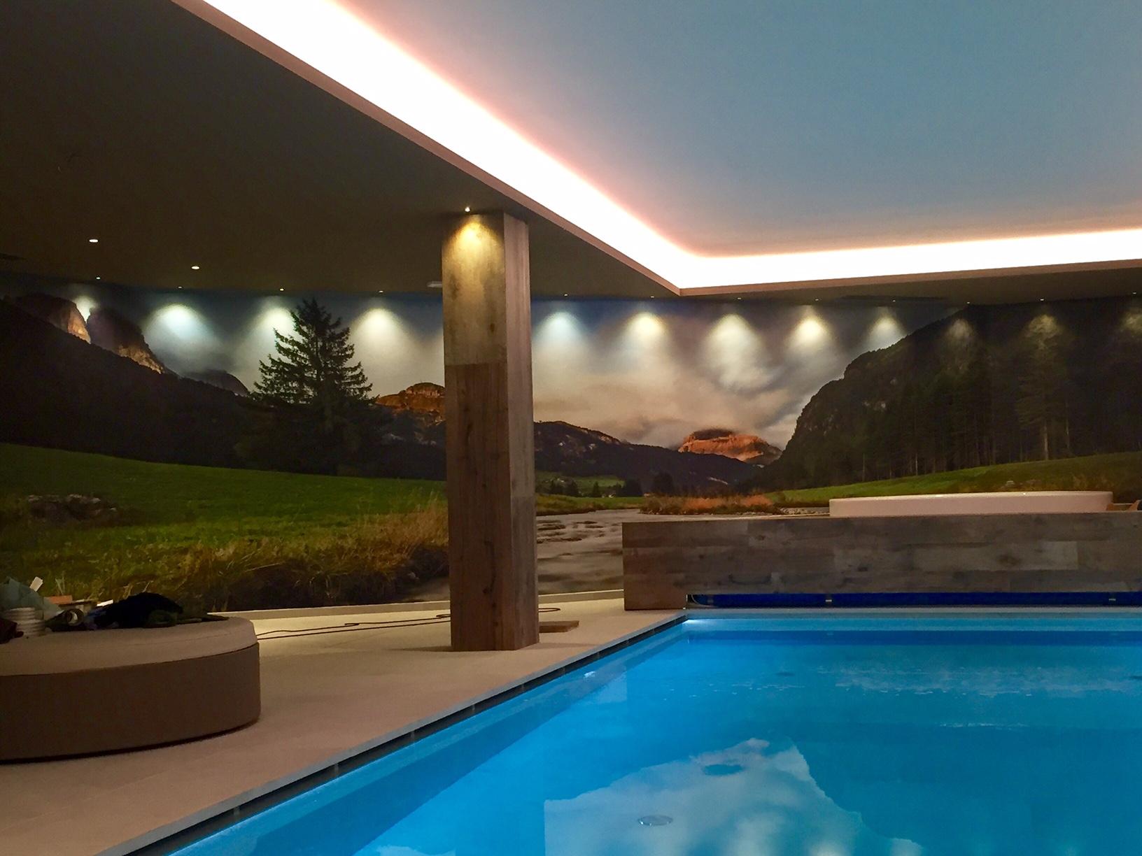 Allestimento adesivo effetto stucco – Hotel Flora Alpina, Campitello di Fassa