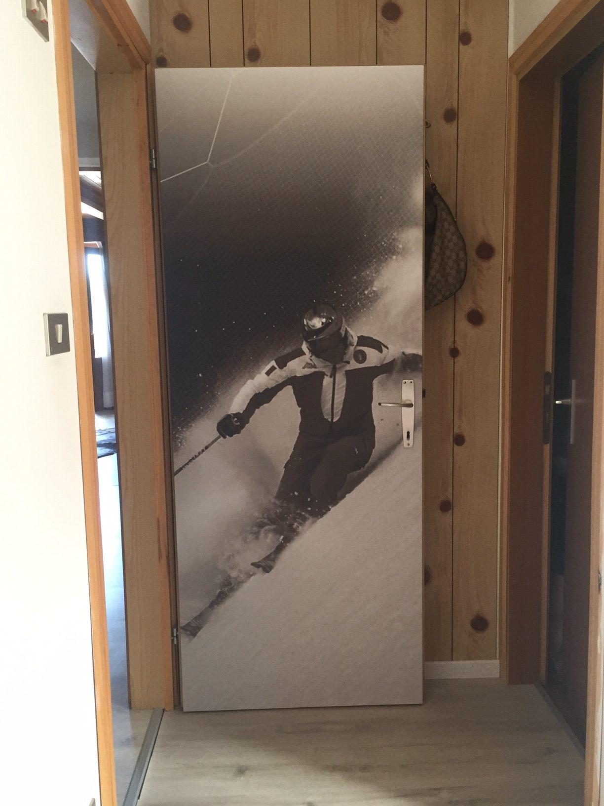 Allestimento con adesivo ed adesivo sabbiato – Alpen Life Hotel Someda, Moena